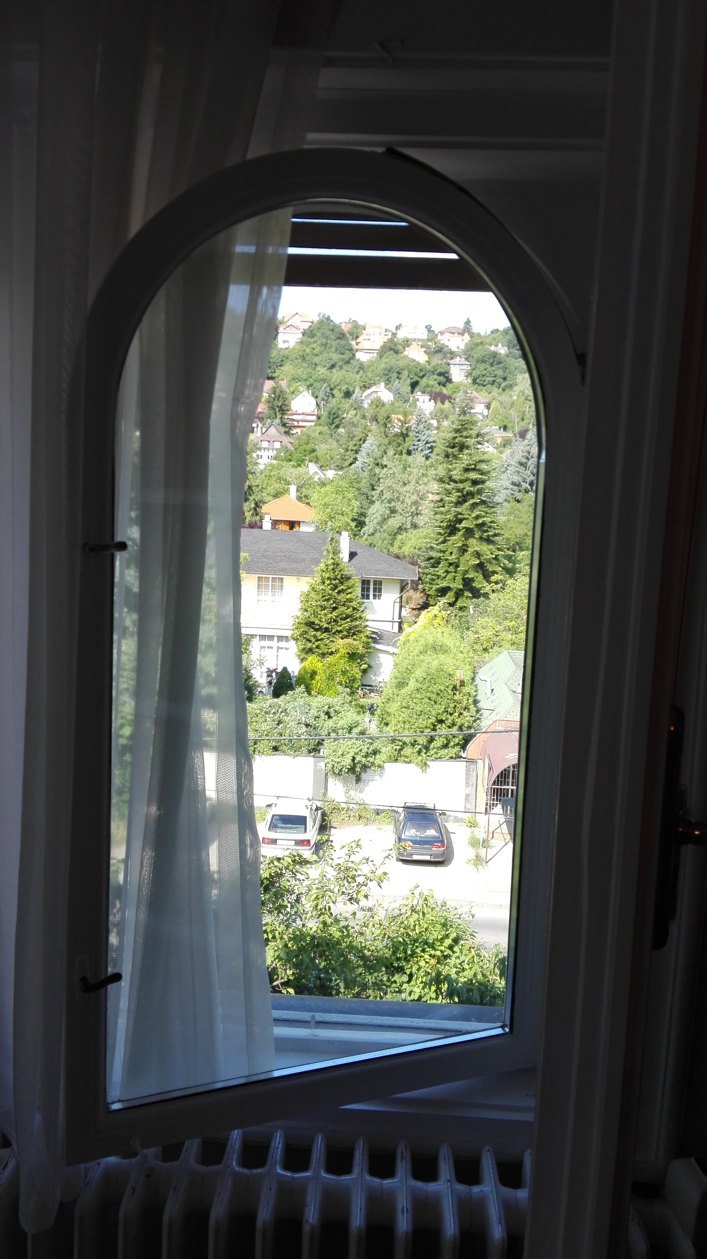Ablakfelújítás – Lehet-e boltíves ablakot felújítani, korszerűsíteni?