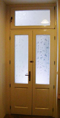 Fa ajtó beépítése