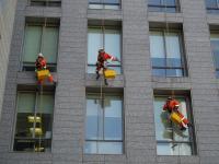 Ablakfelújítás – Filléres ablaktisztító a csíkmentes üveghez