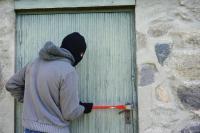 Ablakfelújítás – A nyitva hagyott ajtó szinte hívogatja a betörőt