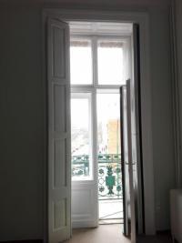 Ablakfelújítás – Miért pördül fel a festék az ajtókon?
