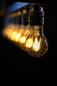 Ablakfelújítás – Apró trükkök, amelyek fénnyel árasztják el otthonunkat