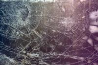 Ablakfelújítás – Mi az a biztonsági fólia? Hogyan működik?