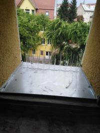 Ablakfelújítás – Galambriasztás ablakpárkányról