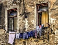 Ablakfelújítás – Miért nem szabad télen a lakásban kiteregetni a ruhákat?