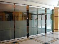Ablakfelújítás – Beltéri ajtók: odafigyelhetünk a kisgyerekekre?